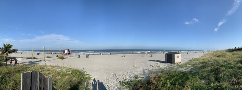 První pláž na Floridě a naše první koupání v teplém a čistém Atlantiku
