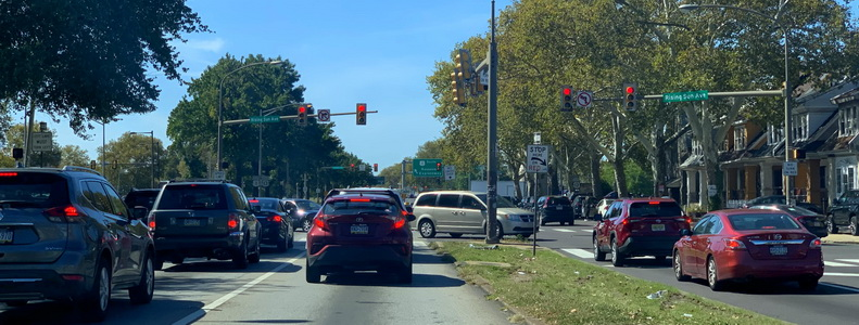 Roosevelt Boulevard a jedna z jeho zajímavých křižovatek