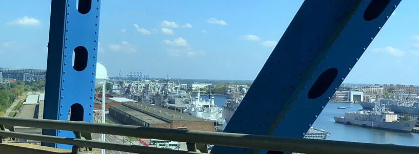 Philadelphia Navy Yard nabízí pohled na množství ukotvených námořních plavidel
